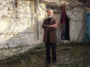"""""""Fare il contadino della poesia"""": un poema di Gëzim Hajdari"""